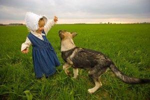 ¿Es bueno que los niños crezcan con perros?